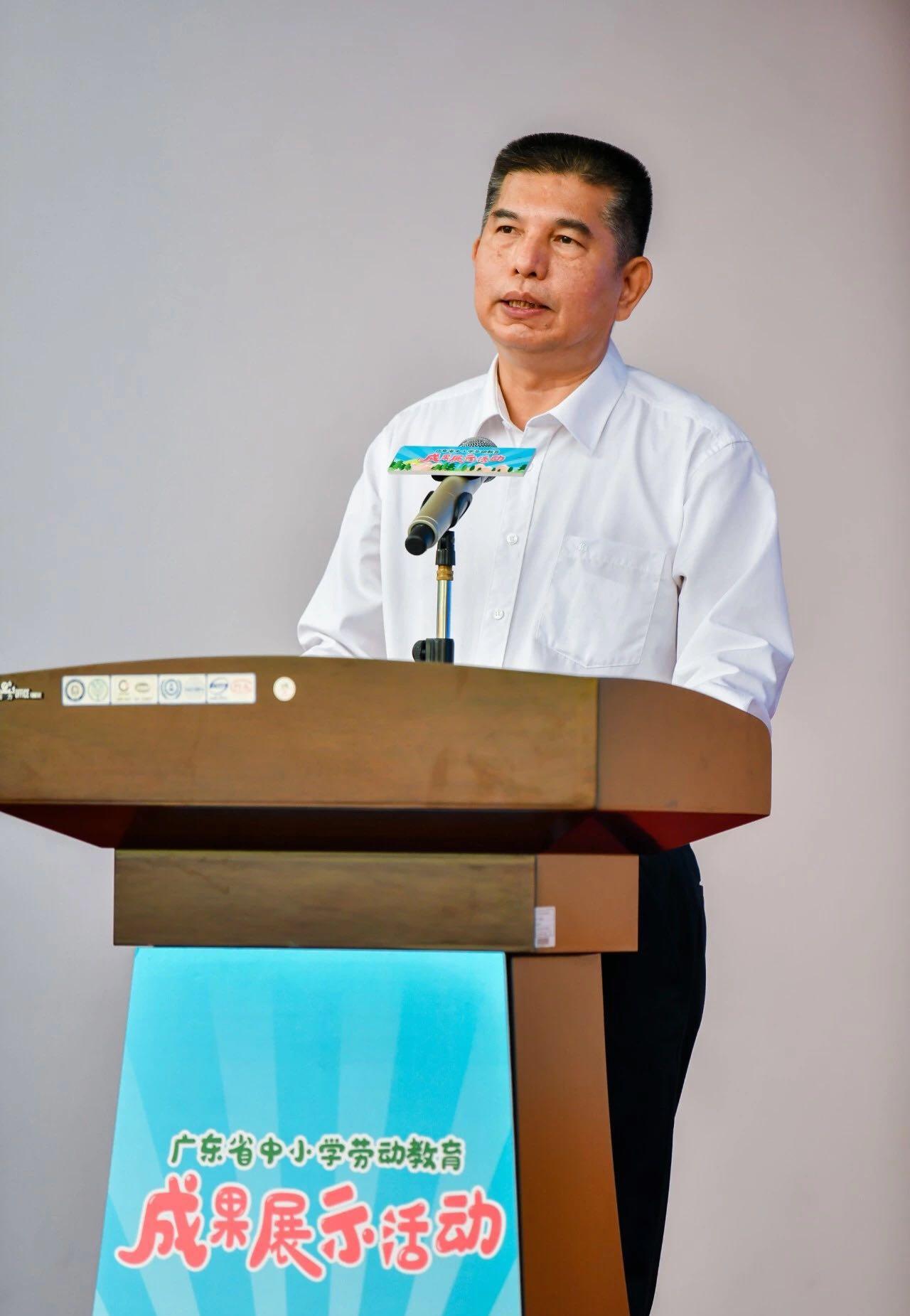 省委教育工委副书记、省教育厅党组副书记李大胜致辞